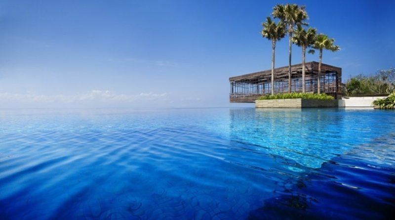 20 красивейших бассейнов мира