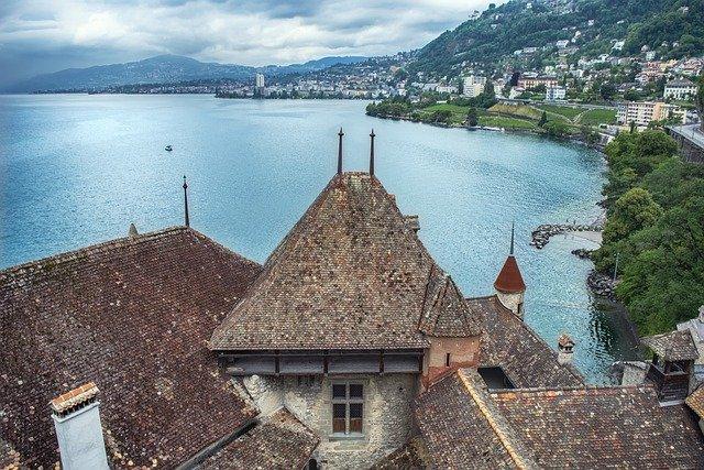 «Пропуск свободы». Что придумали в Швейцарии