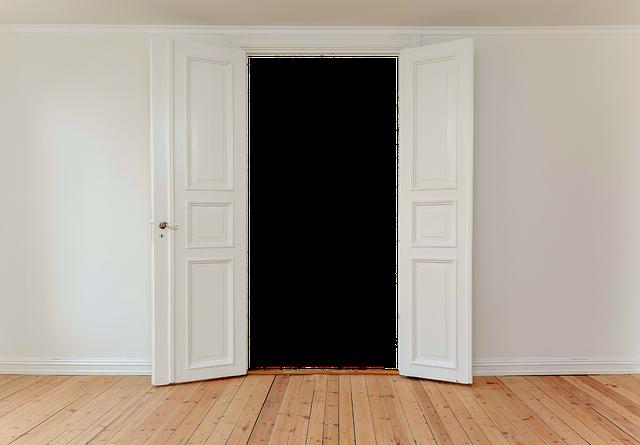 Ремонт дверных и оконных конструкций