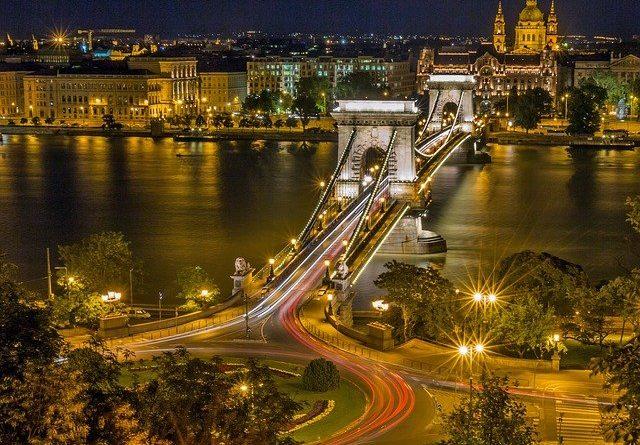 В Венгрии продлили режим ЧП до февраля 2021 года