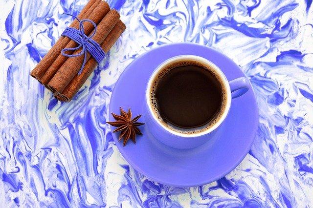 Зачем добавлять специи в кофе и как это правильно делать