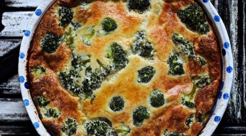 Заливной пирог с сыром и брокколи