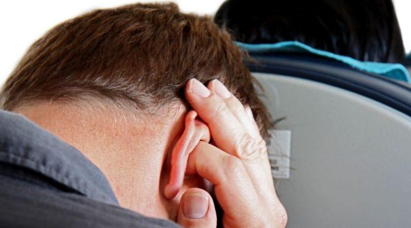 Что делать, если заложило уши в самолете