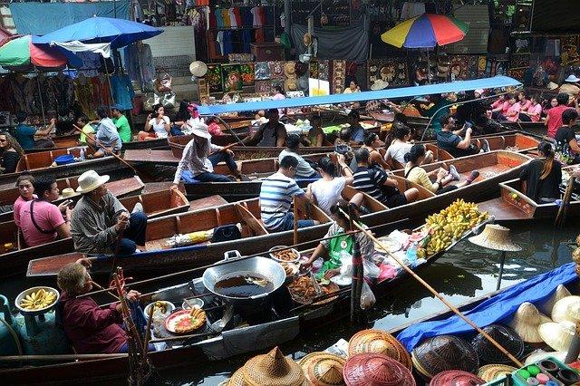 Ехать в Таиланд опасно: новая волна COVID-19