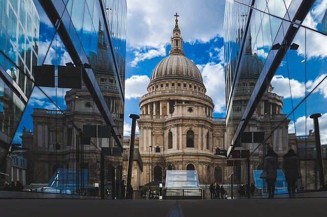 Новый штамм COVID-19: Лондон вводит полный локдаун