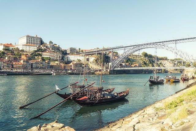 Португалия: на Рождество власти страны ослабят карантин