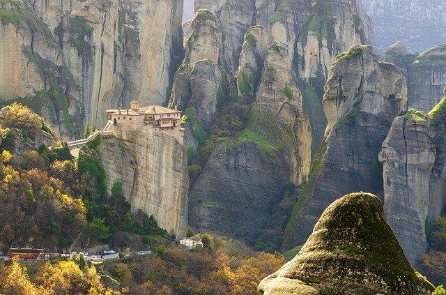 Власти Греции назвали дату полномасштабного открытия границ для туристов