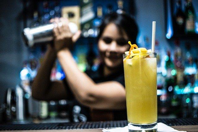 12 предметов, которые должны быть в домашнем баре