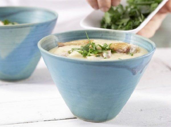 Аппетитный суп из сладкого картофеля с пряной курицей