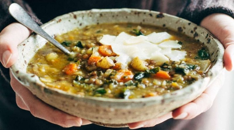 Чечевичный детокс-суп в слоукукере