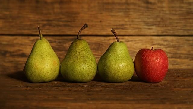 Что полезнее: яблоко или груша