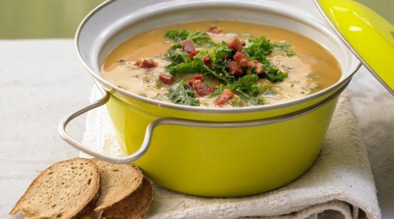 Картофельный суп с капустой и чоризо
