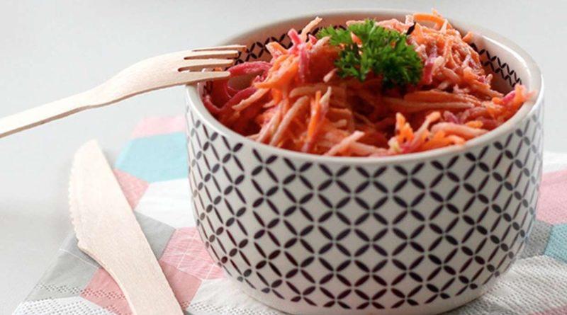 Морковный салат с редисом и яблоком