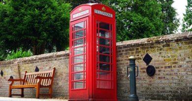 Почему автобусы и телефонные будки в Англии — красные?