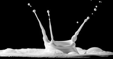 Что делать с молоком, если оно скисло: 5 лайфхаков