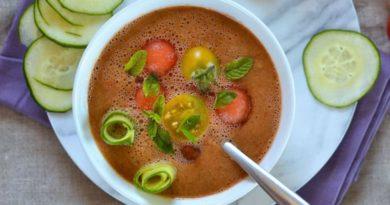 Гаспачо с арбузом и помидором