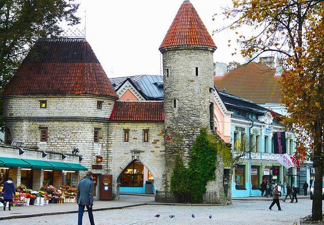Эстония: карантин для вакцинированных туристов отменен