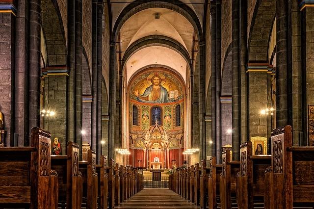 Как изменился бы мир, если бы христианство не раскололось на католичество и православие?