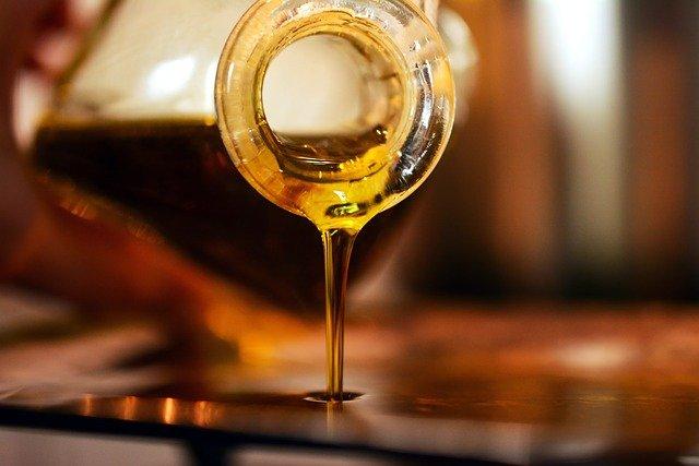 Подсолнечное или оливковое масло: особенности правильного выбора