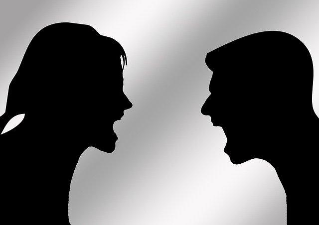 """Поиск повода для ссоры: как вести себя с человеком, который постоянно придирается?   Журнал """"JK"""" Джей Кей"""