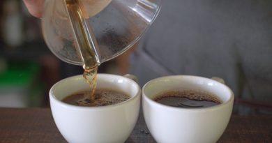 Разбавлять чай – плохая примета и колдовство