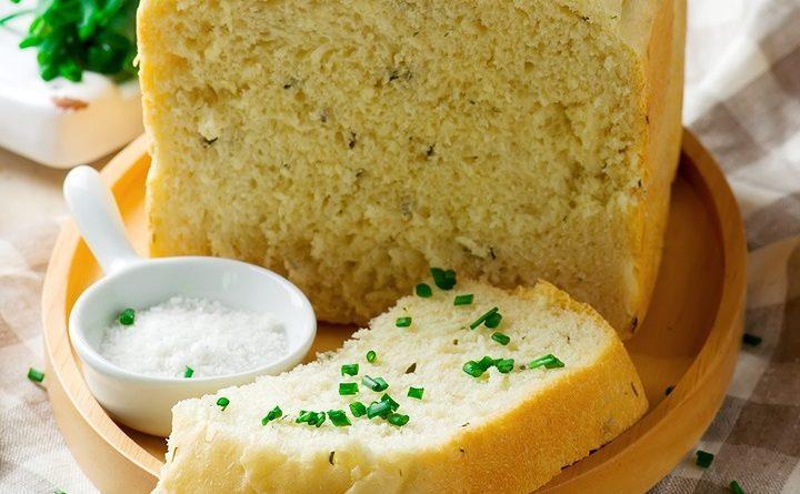 Сметанный хлеб с зеленым луком в хлебопечке