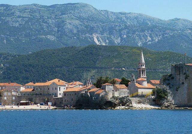 Власти Черногории увеличили срок действия въездного ПЦР-теста для иностранных туристов