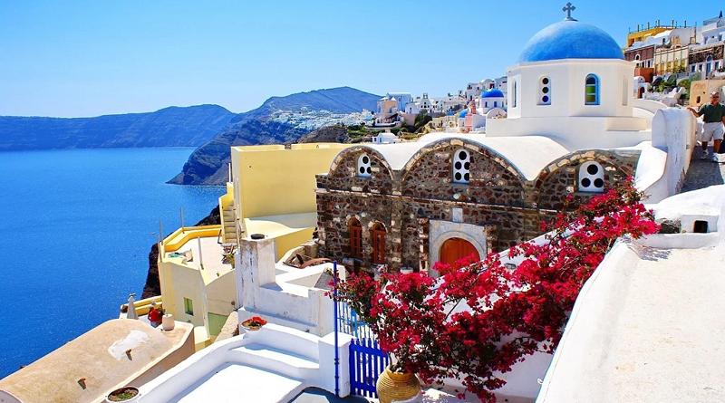 Греция отменила карантин для российских туристов