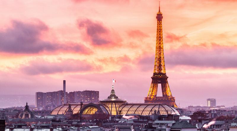 Франция начинает продлевать гражданам РФ истекшие мультивизы