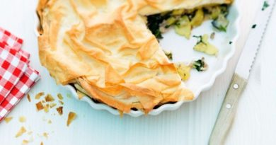 Картофельная запеканка с мангольдом