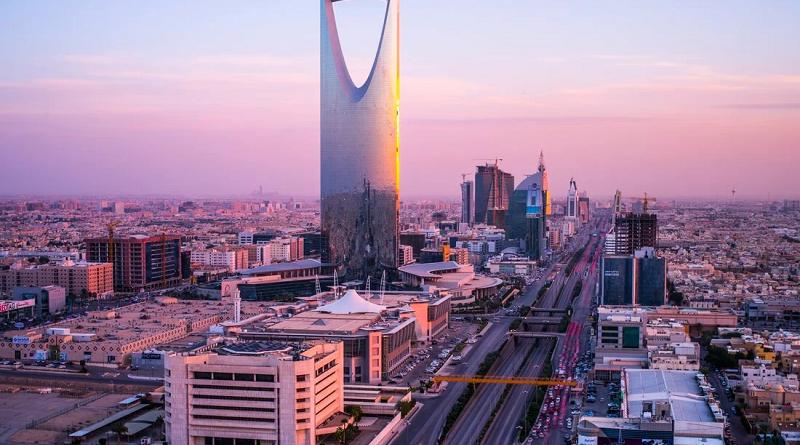 В Саудовской Аравии вводят карантин для туристов, не прошедших вакцинацию от COVID-19