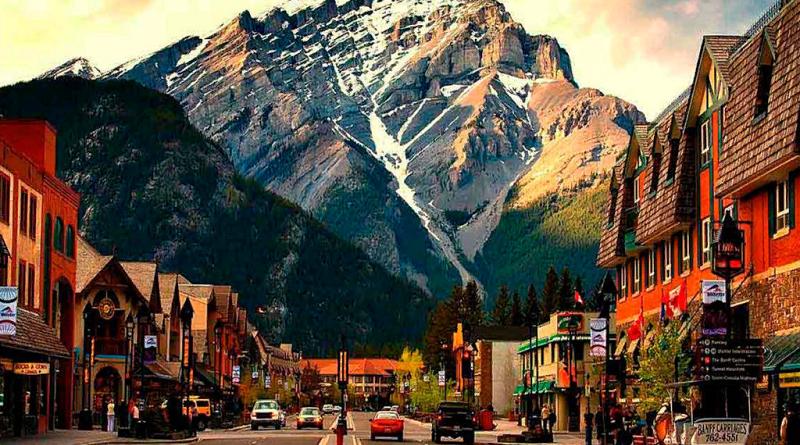 В сентябре Канада откроет свои границы для вакцинированных туристов