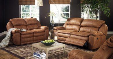 Коричневый кожаный диван является лучшим способом, чтобы украсить Вашу гостиную