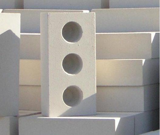 Строительные блоки для стен: силикат против кирпича