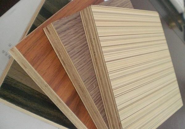Декоративная фанера – материал, широко применяемый в отделке помещений и изготовлении мебели